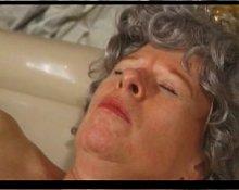 Old Granny in Bath R20