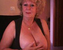 Granny#1 by chocholo