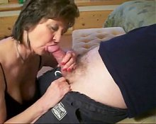 Granny give good blowjob