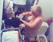 spy granny tits - her tits is big....