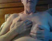 Granny shows her huge clit in webcam