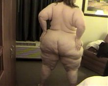 Solo #68 (SSBBW) Showing off her Big Thunder Butt